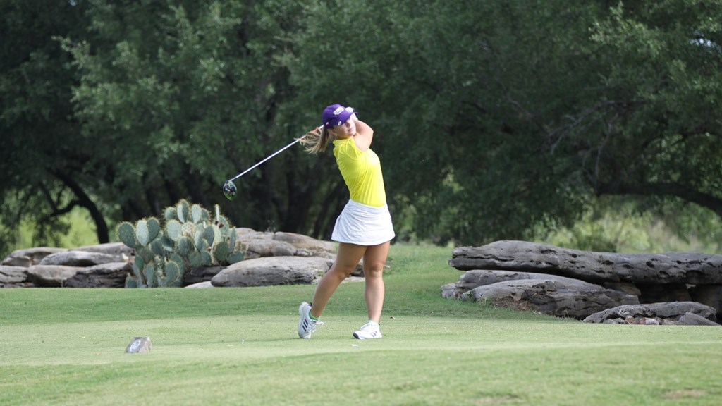 Women's Golf, Kmiecik win Lady Crusader Fall Invitational